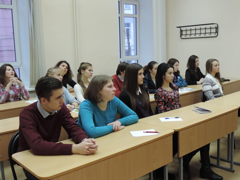 Студенты, пришедшие на собеседование