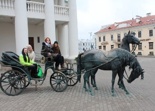 У Минской ратуши можно и повеселиться